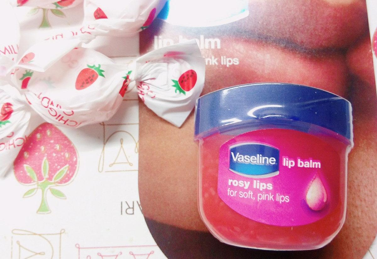 Vaselineのリップでナチュラルふっくら唇に…♡
