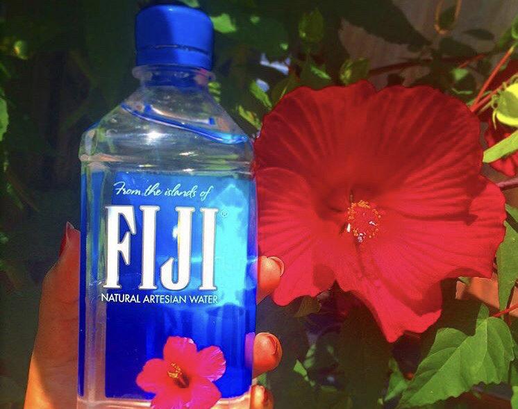 身体の半分以上は水で出来ている💦SNS映えするかわいい水で水分補給😋💕
