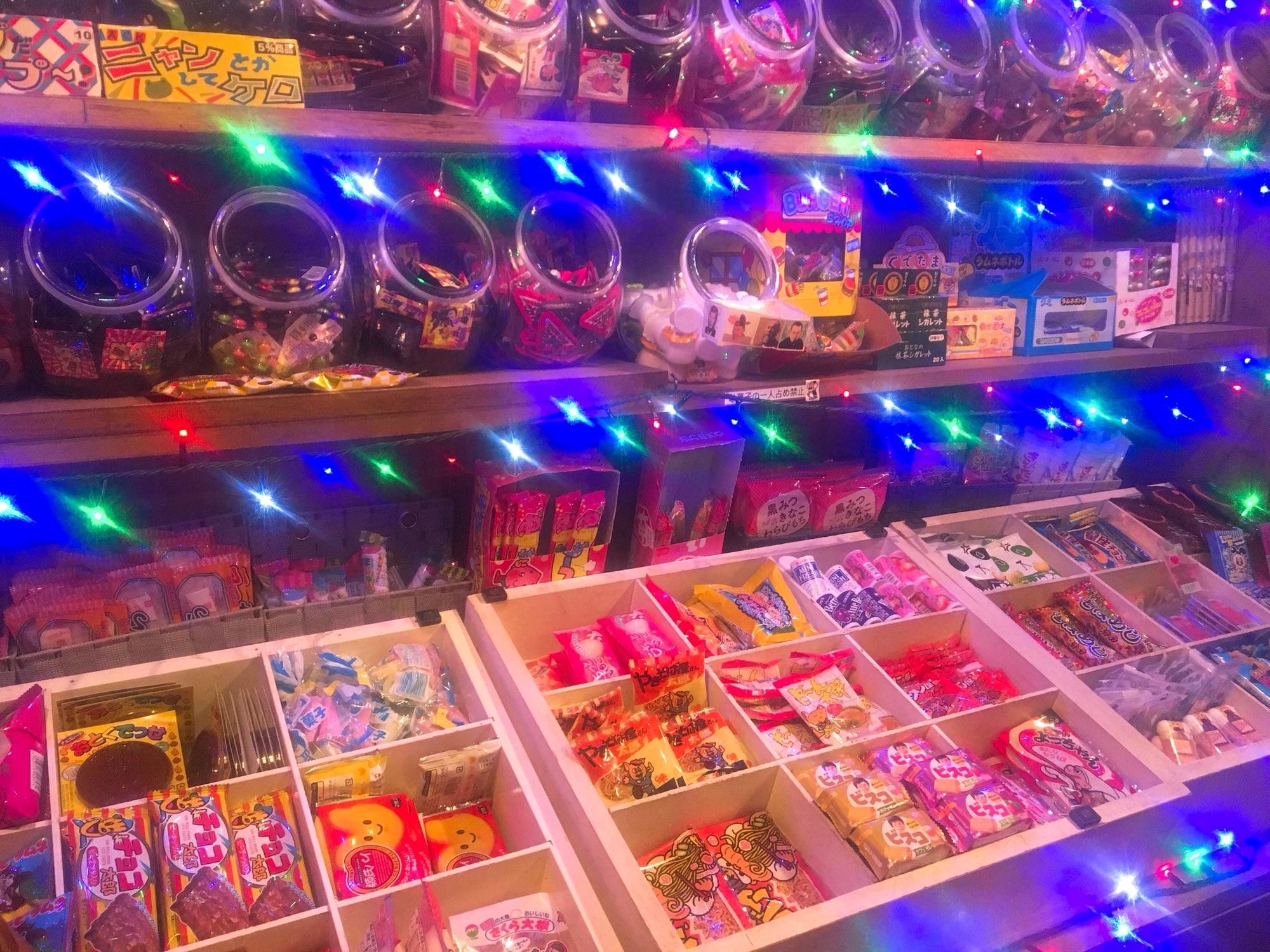 なんと500円❗️駄菓子食べ放題の駄菓子バー👀⭐️
