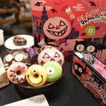 真っ黒なドーナツ!?クリスピークリームの『BLACK OR PINK? HALLOWEEN』が可愛すぎる🎃💕