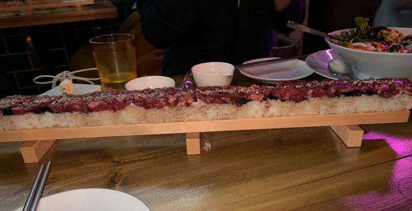 みんなはもう食べた!?今話題のユッケ寿司🍣