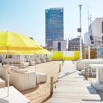 """新宿に現れた""""天空ビーチ""""🏝WILD BEACH「happy yellow beach」、3月20日(水)OPEN💛"""
