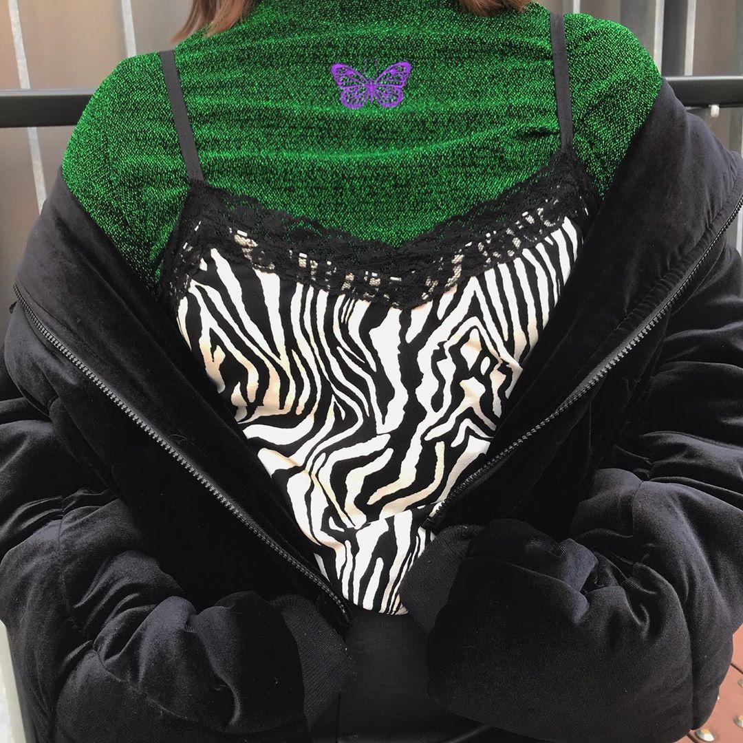 秋冬トレンドのアニマル系💜『ゼブラ柄』を取り入れたファッションに注目🔍✴️