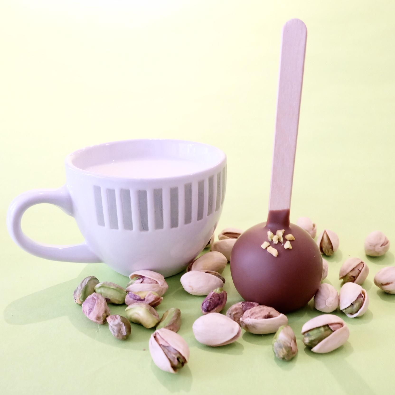 ホットミルクに溶かしながら食べるチョコレートに今大ブームのピスタチオフレーバーが新発売🍫🌟