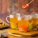 甘酸っぱい果実たっぷりのフルーツティー「台湾甜水果茶」🍓🥝11月11日(水)〜期間限定で販売スタート🌈