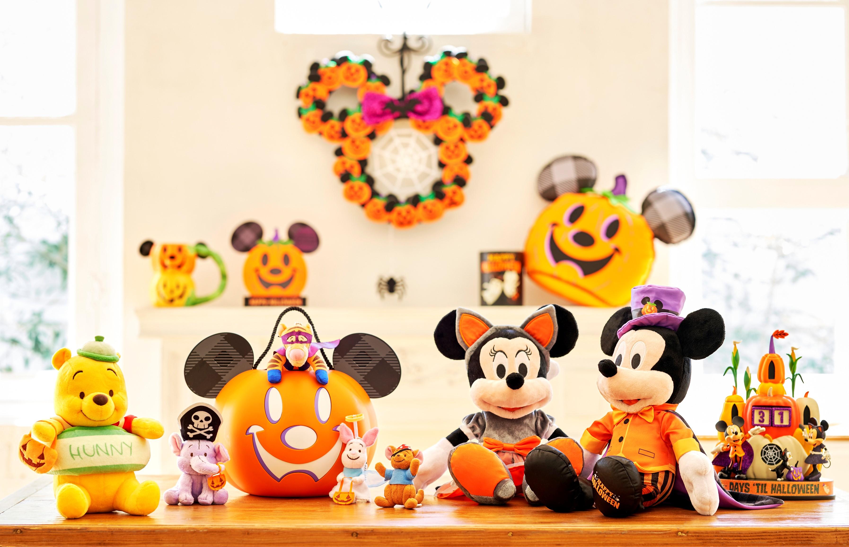 ハロウィーンを楽しもう!仮装したミッキーやプーさんたちのアイテムが登場🎃💜